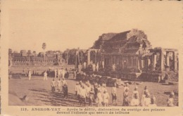 Angkor-Vat - Après Le Défilé, Dislocation Du Cortège Des Princes Devant L'édicule... Paulussen N° 112 CAMBODGE Indochine - Cambodia