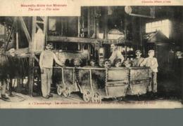 62) LENS  L'ACCROCHAGE - LES MINEURS VONT DESCENDRE DANS LA MINE  France Frankreich Francia - Mineral