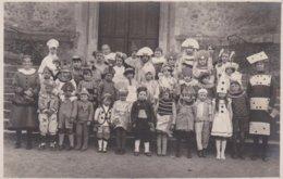 Groupe D'enfants Devant L'eglise De CONNERRE - Connerre
