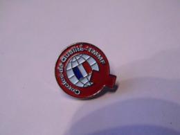 Pin's   -Cercle De Qualité -  - TOYOTA -  RARE- France - Toyota
