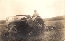 Cpa Photo Tracteur Mc Cormick 1925  R.wallut & Cie  Paris   -D- - Tracteurs