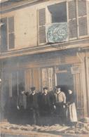¤¤  -   Carte-Photo   -    Groupe De Personnes Devant Un Batiment     -  ¤¤ - Postkaarten