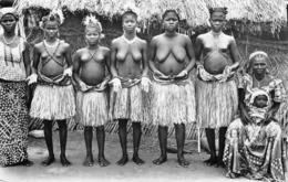 CPA   Photo AFRIQUE  DU SUD BANGUI I Danseuses Banda RARE - Afrique Du Sud