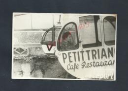 CARTE PHOTO PERSONNAGE DANS LA TELECABINE LE TREPORT PETIT TRIAN ? CAFÉ RESTAURANT : - Fotografia