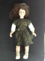 Grande Poupée En Porcelaine - Dolls
