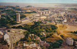 22. SAINT-BRIEUC. VUE AÉRIENNE. VUE GÉNÉRALE ET LES PONTS. . ANNEE 1972 + TEXTE - Saint-Brieuc