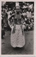 DAHOMEY  JEUNE FETICHEUSE D'ABOMEY - Dahomey