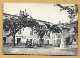 C.P.A. LA VOULTE - Place De La République -Voir Vieille Voiture - La Voulte-sur-Rhône