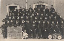 CPA-PHOTO Carte Photo 104 Régiment D' Infanterie 8 ème Compagnie Capitaine Le Pallois Année 1907 Militaria (2 Scans) - Regiments