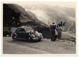 Autos Voitures Automobiles Cars - Volkswagen VW Coccinelle Ovale Découvrable Käfer Ovali Beetle - Couple Homme Et Femme - Automobile