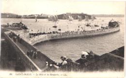 FR35 SAINT MALO - LL 80 - Le Môle Et Les Remparts - Animée - Belle - Saint Malo