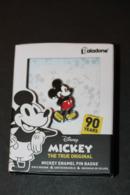 Pin's Walt Disney Mickey Mouse - Boite Souvenir 90 Ans Paladone Products - Disney