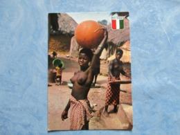 CPA CPSM AFRIQUE COTE D'IVOIRE V1970 IVORY COAST VIE AU VILLAGE Cp Ed AGENCE HACHETTE IVOIRIENNE ABIDJAN TB SEINS NUS NU - Côte-d'Ivoire