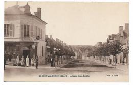 JOLIE CPA ANIMEE DUN SUR AURON, ANIMATION DEVANT LE TABAC, AVENUE JEAN JAURES, CHER 18 - Dun-sur-Auron