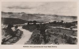 Tarjeta Postale. España. Ronda. Vista Panorámica Del Hotel Reina Victoria. Estado Medio. - Lugares