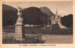 65 - LOURDES - Saint-Michel - La Basilique Et L'Esplanade - Lourdes