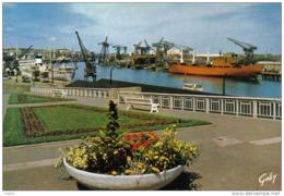 Carte Postale 44. Nantes Capitale De L'Ouest  Les Chantiers Navals Et Le Port Trés Beau Plan - Nantes