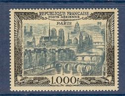 PA 29b PARIS FOND BLANC EN BLEU ET NOIR TTB ** - Poste Aérienne