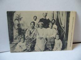 UNE FAMILLE CHRÉTIENNE BIRMANE A  CHRISTIAN BURMESSE FAMILY BIRMANIE  MYANMAR CPA - Myanmar (Birma)