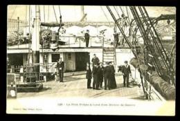 429 : Le Petit Polyte à Bord D'un Navire De Guerre - (Beau Plan Animé) - CP Précurseur, Vers 1900. - Guerre