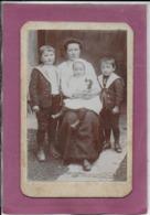 Madame AUGUSTE Viennet Et Ses Enfants - Fotografia