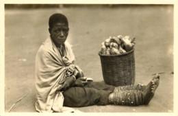 Publ. ZAGOURSKI 2e Série - L'Afrique Qui Disparait - Ruanda - Vendeuse De Pommes De Terre - N° 124 - Ruanda-Urundi