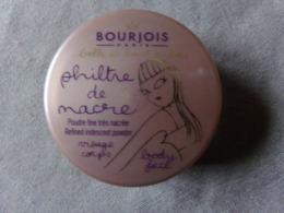 Maquillage Poudre Visage Corps BOURJOIS PARIS Philtre De Nacres  Démonstration Neuf - Beauty Products