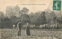 CPA 49 Maine Et Loire Le Chateau De Brissac Vue De La Ferme Attelage Chevaux Labours  Vu Laboureur - Sonstige Gemeinden