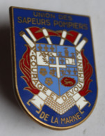Bel Insigne Union Des Sapeurs Pompiers De La Marne Courage Et Dévouement Blason Fraisse Paris - Pompieri
