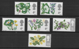 GREAT BRITAIN 1967 FLOWERS MNH - Other