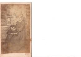 CDV. La Mère Et Sa Petite Fille . Costumes Et Coiffes.  En Bon état. Voir SCANS Recto-verso - Alte (vor 1900)