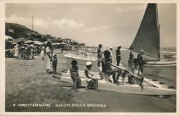 Z.456.  GROTTAMMARE - Saluti Dalla Spiaggia - Italia