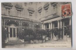HÔTEL CONTINENTAL - La Cour D' Honneur - Paris - Hotels & Gaststätten