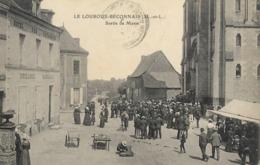 CARTE POSTALE ORIGINALE ANCIENNE : LE LOUROUX BECONNAIS LA SORTIE DE LA MESSE  ANIMEE MAINE ET LOIRE (49) - Le Louroux Beconnais
