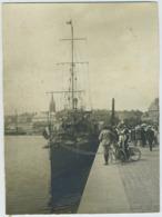 """Tirage Argentique Circa 1910. Saint-Malo. Contre-torpilleur """" Bombarde """". Bateau De Guerre. Bretagne. - Barche"""