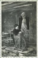610. Vieille Fileuse - Craft