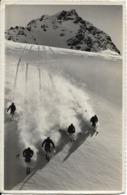 Ski à Davos, En Suisse : Descente Groupée De Parsenn, Hors Piste, Dans La Poudreuse. CPSM. - Sports D'hiver