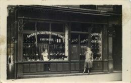 CARTE PHOTO  A Localiser   SALON DE COIFFURE Pour Dames  PARFUMERIE - Fotografia