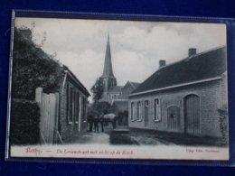 RETIE  Groenstraat Met Zicht Op De Kerk - Retie