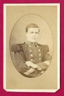 Photographie CDV - Studio Jules Robuchon - Portrait D'un Militaire - Insignes Régimentaires 137 Au Col - Guerra, Militari