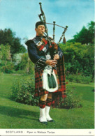 Regno Unito, United Kingdom, Scozia, Piper In Wallace Tartan, Playing Traditional Scottish Airs - Ecosse