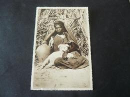 LIBYA : YOUNG WOMAN OF  FEZZAN WITH A LITTLE WHITE DOG _ GIOVANE DONNA  DEL FEZZAN COL SUO CANE - Libia