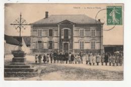 VRAUX - LA MAIRIE ET L'ECOLE - 51 - France