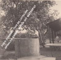 FOTO ZOERSEL 1955 DE LOTELING / OPHALEN EMMER WATER UIT WATERPUT - Zörsel