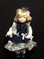 Poupée Porcelaine - Dolls