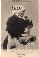 DEPT 29 : Précurseur édit. E H N° 177 : Vieille Paysanne De Cornouailles Fument La Pipe ( Chanson De Botrel - France