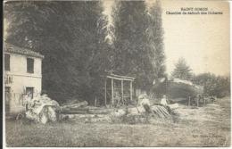 * SAINT SIMON , Chantier De Radoub Des Gabares , CPA ANIMEE - Autres Communes