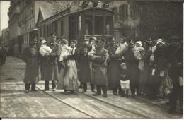 * Passage Des évacués Français , GENEVE , 1915 , Carte Photo ANIMEE - GE Genève