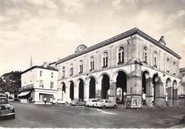 33 - CADILLAC Sur GARONNE : L'Hotel De Ville - CPSM Dentelée Noir Blanc Grand Format - Gironde - Cadillac