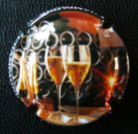 (dch-043) CAPSULE-CHAMPAGNE Dravigny - Godbillon  Des Verres  -  Glazen - Champagnerdeckel